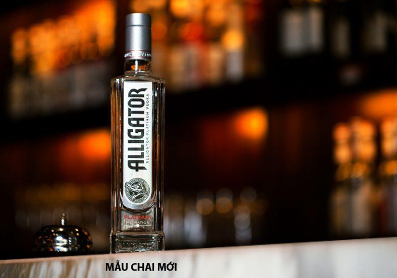 Kiểu dáng chai mới của rượu vodak cá sấu đen