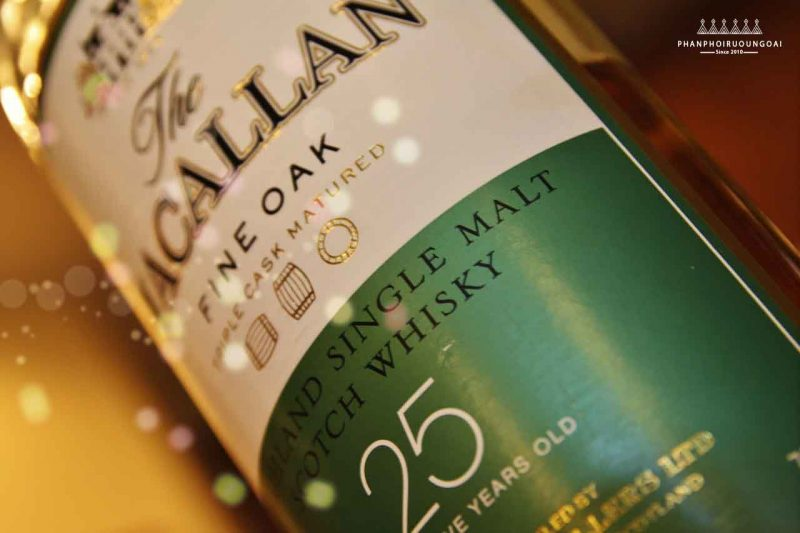 Ảnh chụp thực tế rượu Macallan 25 năm Fine Oak