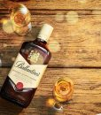 anh-chup-ruou-ballantines-finest-750-ml