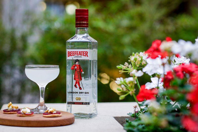 Beefeater London Dry Gin sẽ có thể tạo nên những ly cocktail tuyệt hảo