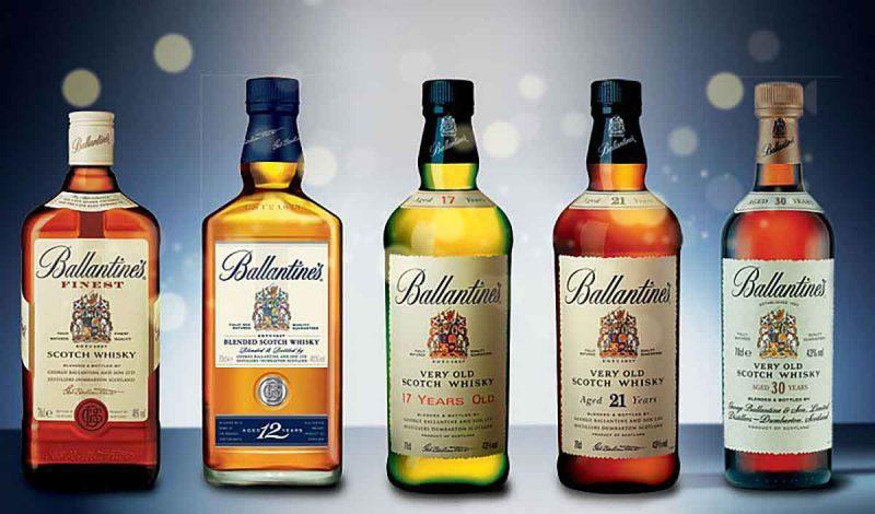 Bộ sưu tập các sản phẩm rượu của nhà Ballantine's