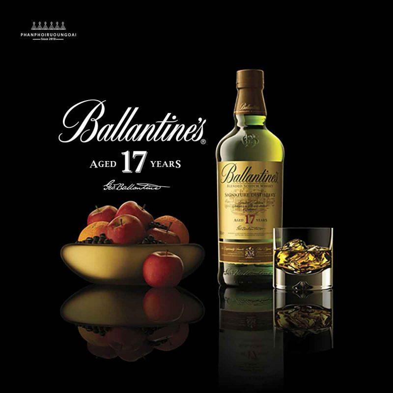 Rượu Ballantine's 17 năm tuổi đậm vị vanilla và gỗ sồi