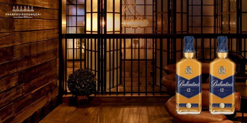 Không gian sang trọng và Rượu Ballantine's 12