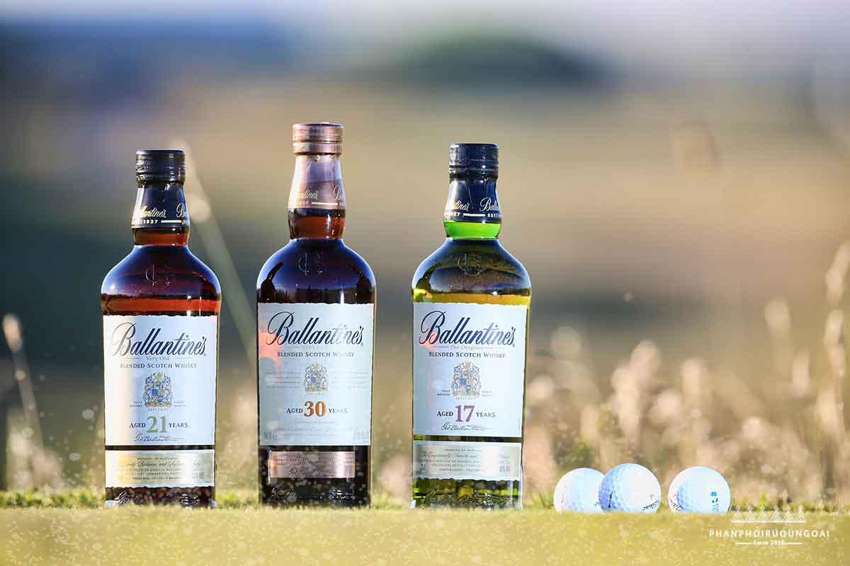 Rượu Ballantine's luôn đi kèm với các giải golf danh giá