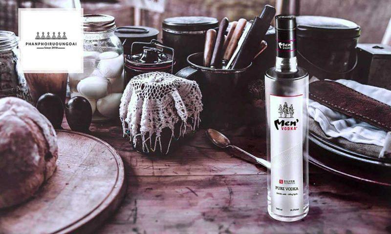 Rượu Vodka Men 29.5 độ và đồ ăn