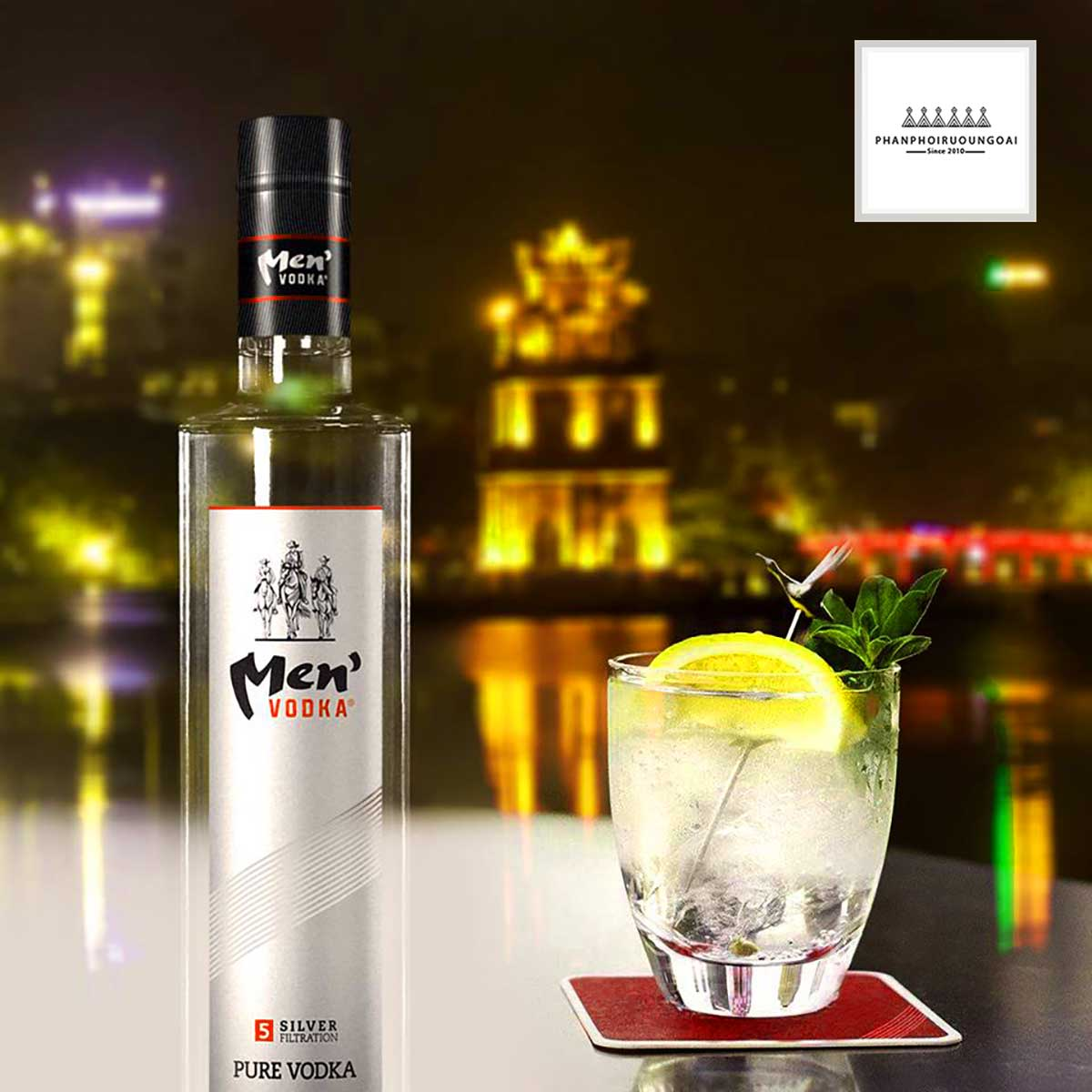 Rượu Vodka Men 500 ml và ly cocktail ngọt lành