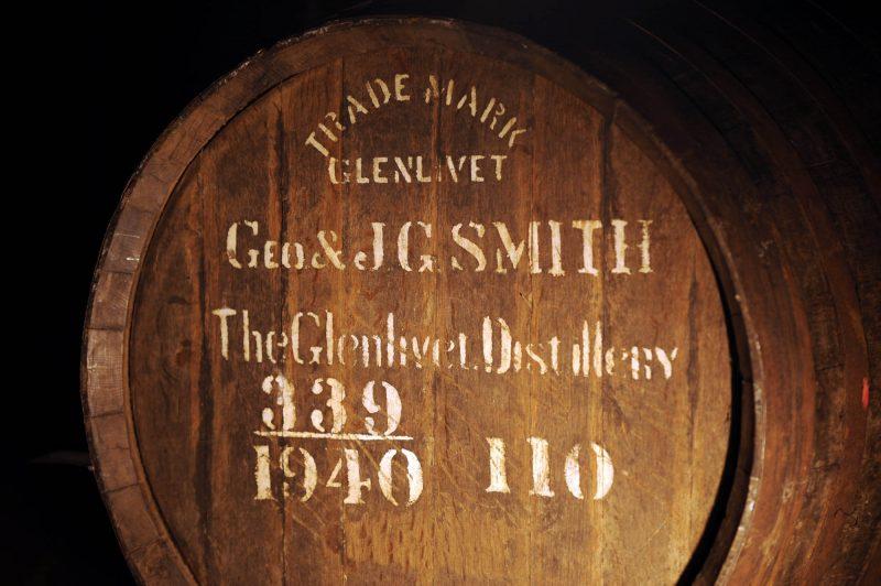 thùng gỗ sồi trưng cất rượu glenlivet