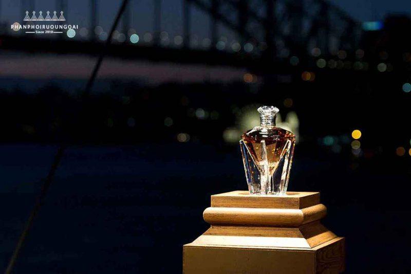 Cả thế giới chỉ có 60 chai Rượu John Walker & Sons Diamond Jubilee