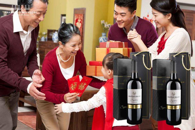 Hộp quà 1 chai vang Chateau Dalat Signature