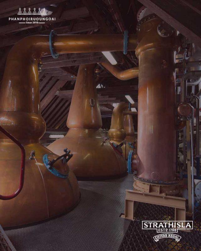 Khu trưng cất các loại rượu Whisky của nhà Chivas Regal