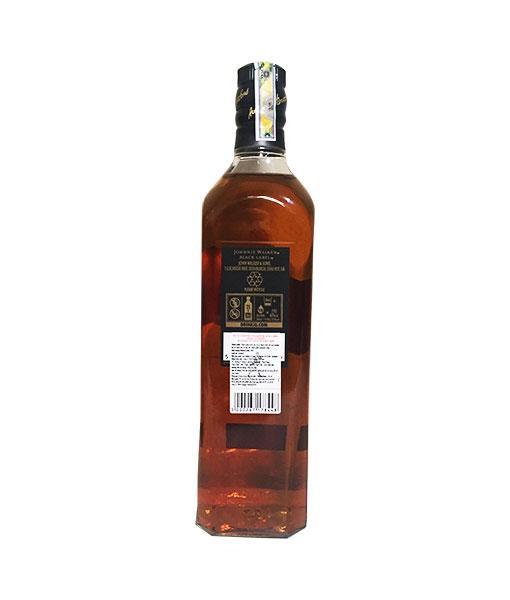 Mặt sau chai rượu Johnnie Walker Black Label 2020