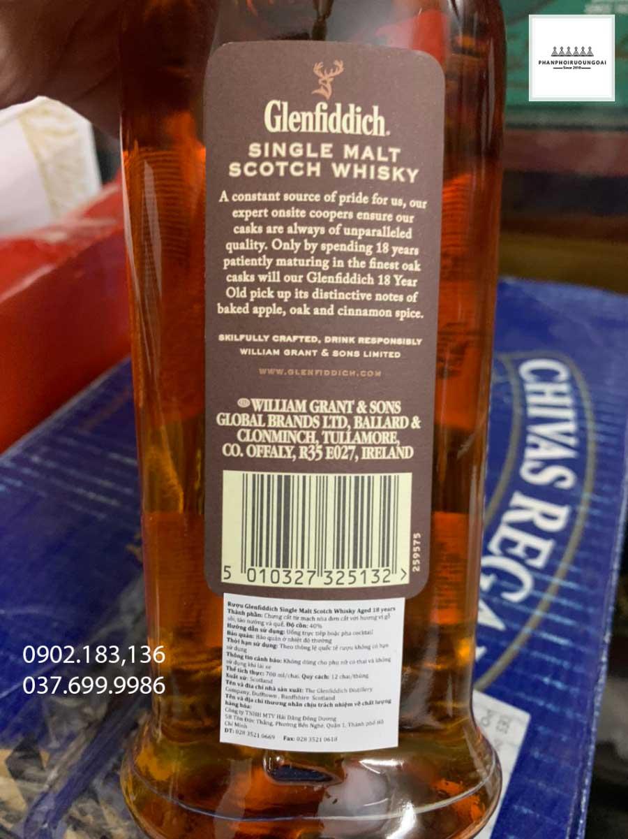 Rượu Glenfiddich 18 năm và tem phụ của nhà nhập khẩu năm 2021
