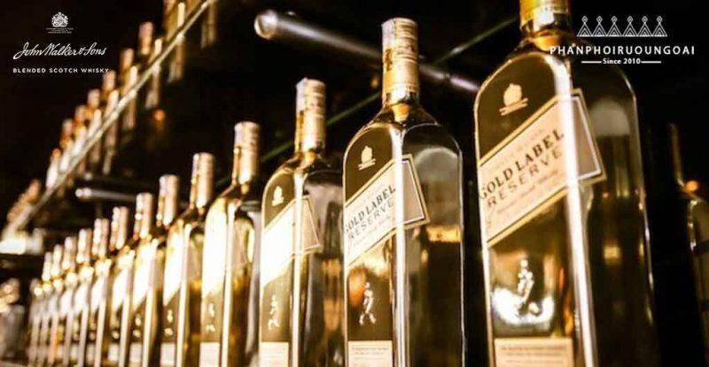 Showroom trưng bày phiên bản giới hạn của Johnnnie Walker Gold Label Reserve Limited