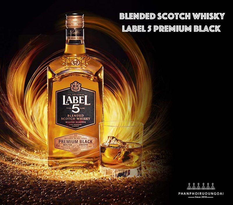 Rượu Whisky Label Premium Black tạo ra bởi bậc thầy hầm rượu Graham