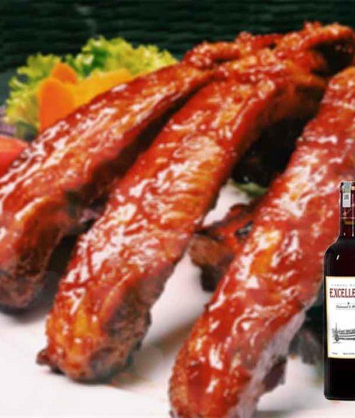 Sườn nướng và rượu vang Excellence Red Wine Cabernet Sauvignon & Merlot