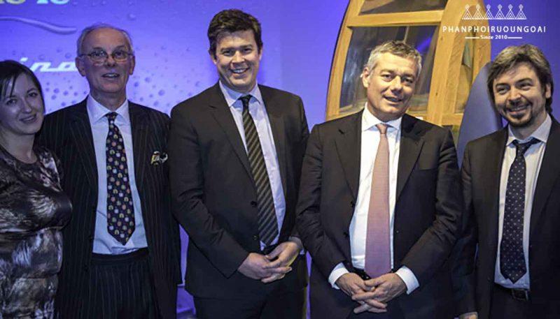 Ngài Colin Scott và công ty Pininfarina
