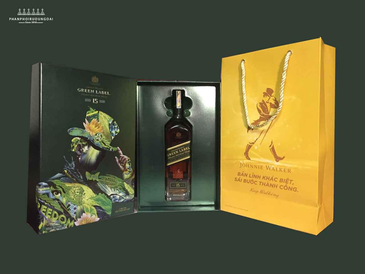 Hình ảnh thực tế hộp quà 2018 Rượu Johnnie Walker Green Label