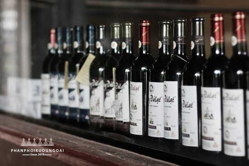 Những chai rượu vang đà lạt thời kỳ đầu