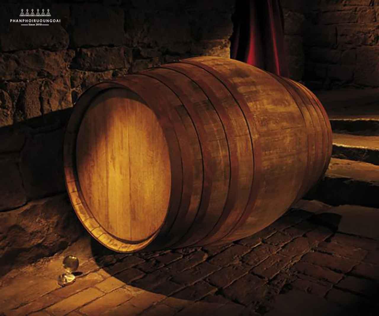 Rượu Glenmorangie Lasanta trưởng thành từ thùng gỗ sồi Sherry Butts