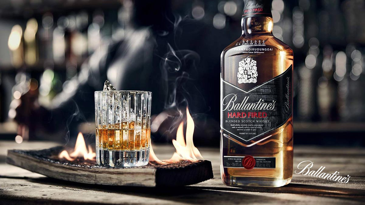 Ảnh chụp rượu Ballantine Hard Fired