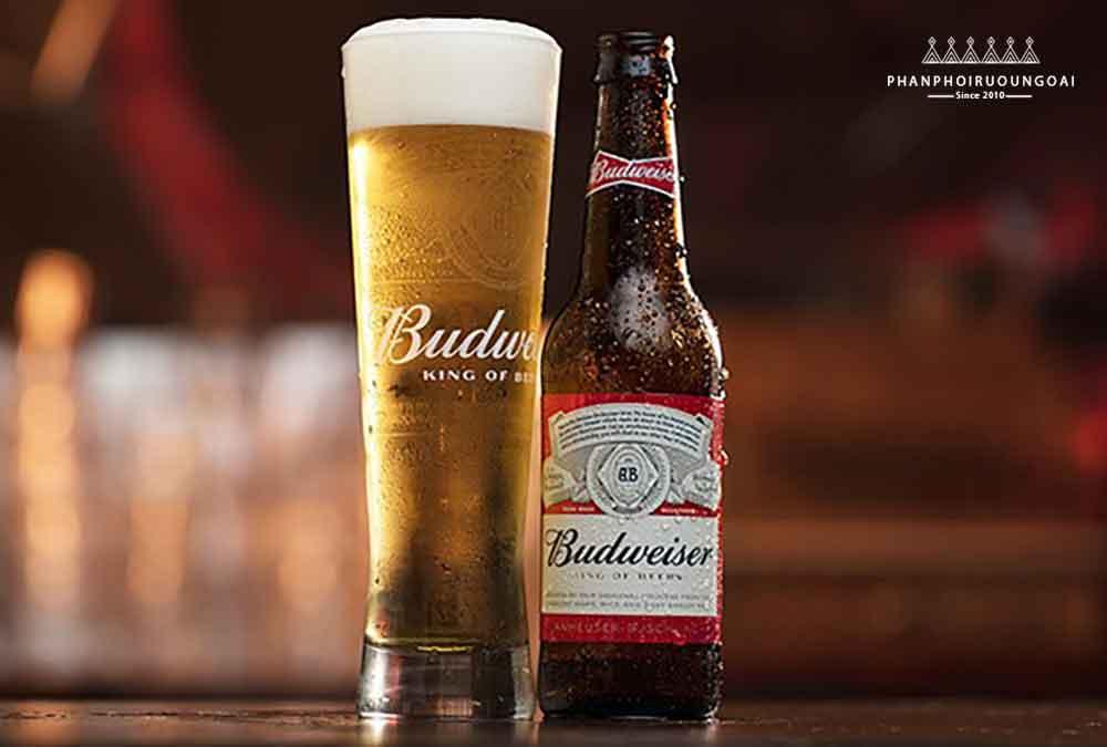 Bia Budweiser Mỹ - vua của các loại bia