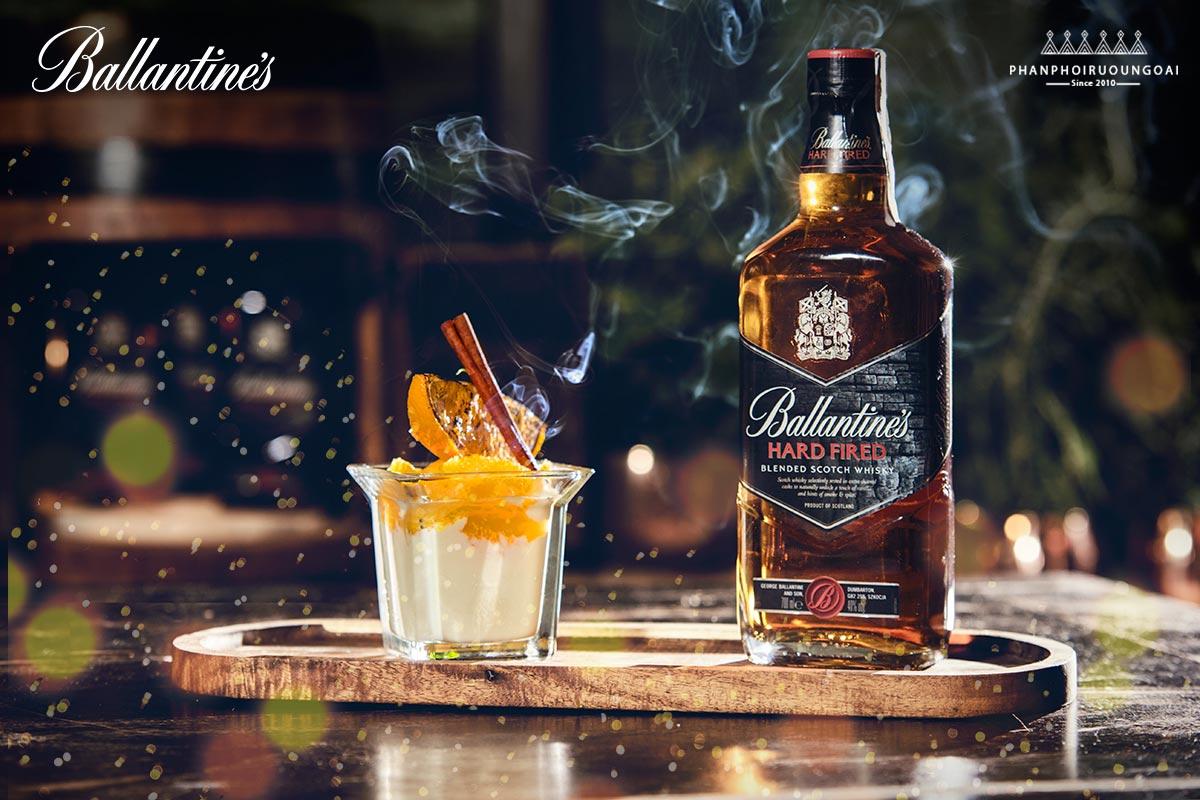 Ly cocktail tuyệt hảo với rượu Ballantine's Hard Fired