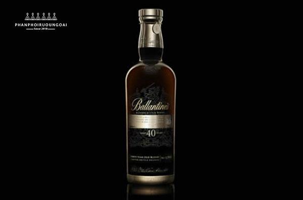 Rượu Ballantine's 40 năm tâm sức của nhiều thế hệ bậc thầy hầm rượu