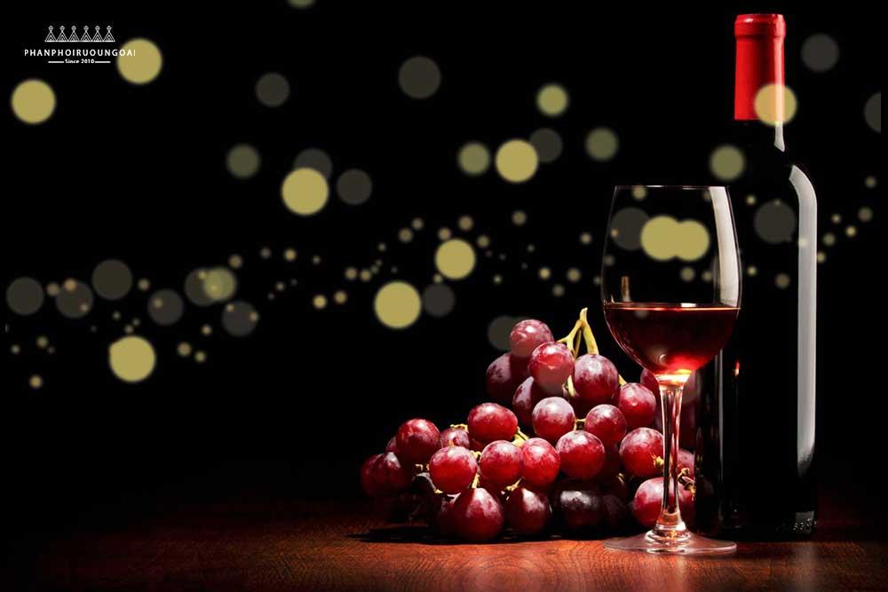 Rượu vang thức uống của sự tinh tế và còn phòng bệnh