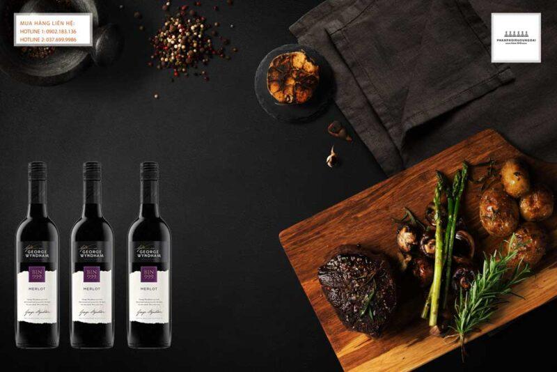 Thưởng thức rượu vang Úc George Wyndham bin 999 Merlot với món ăn