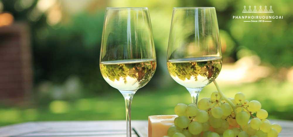 Cách để chọn rượu vang trắng
