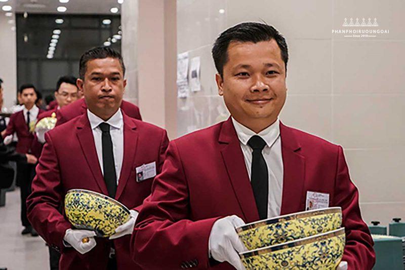 Các nhân viên phục vụ cho tiệc APEC 2017