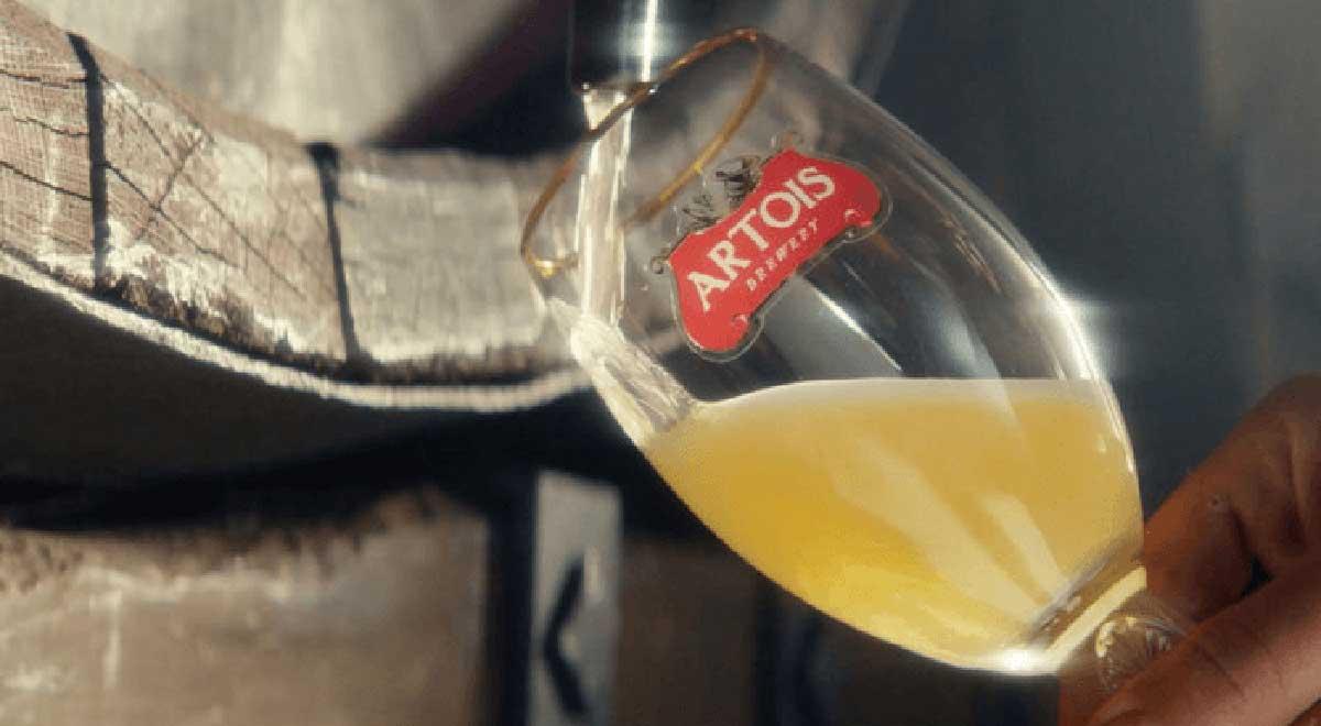 Rót bia Stell Artois hương vị cay nồng