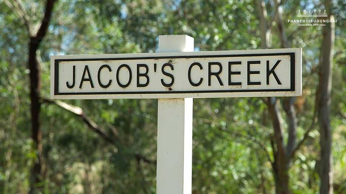 Cửa vào xưởng rượu vang Jacob's Creek