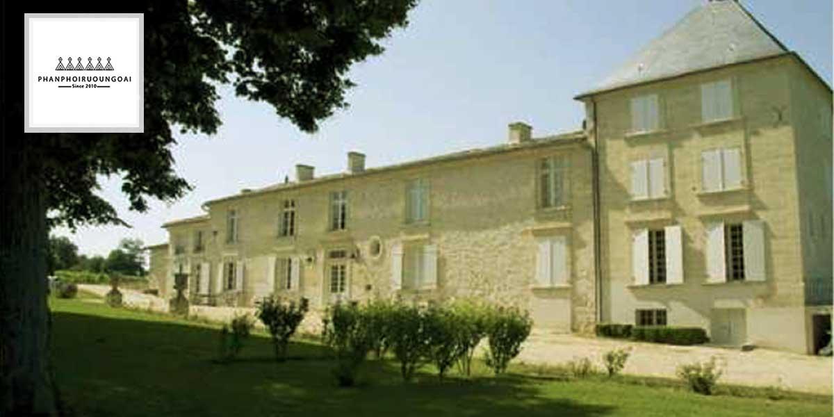 Lâu đài Chateau Des Combes