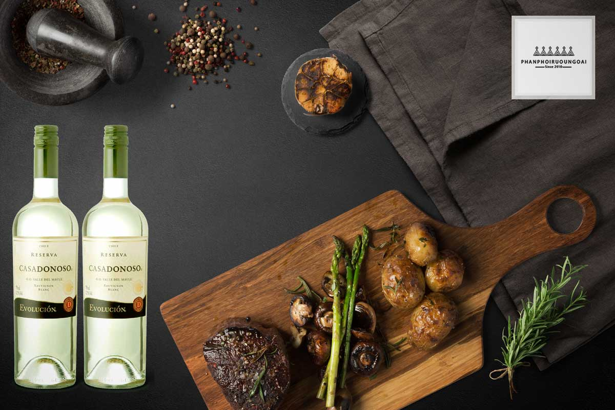 Rượu vang Casa Donoso Evolucion Sauvignon Blanc và thức ăn