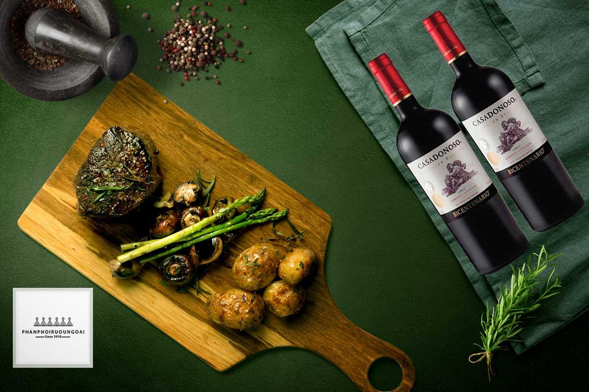 Thịt đỏ với rượu vang Casa Donoso Bicentenario Cabernet Sauvignon