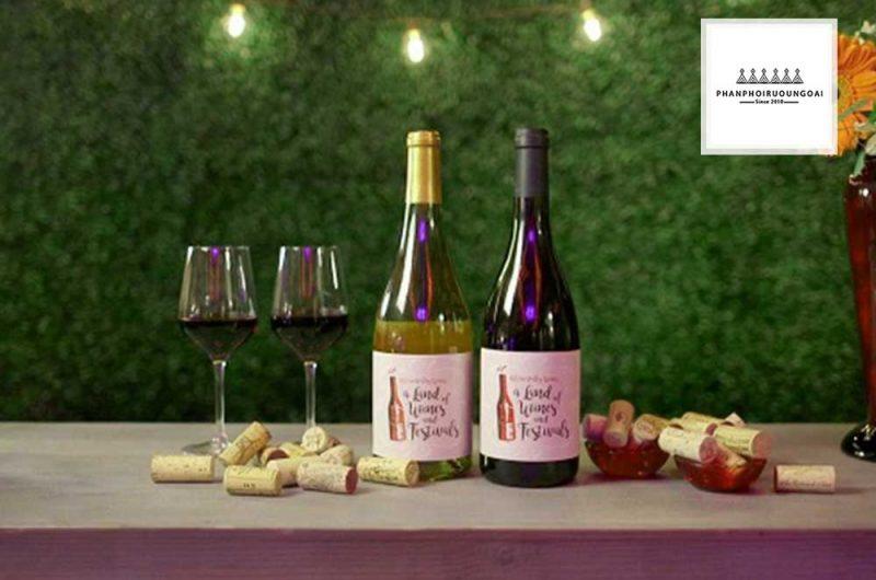 Khung cảnh lãng mạn và rượu vang Pháp