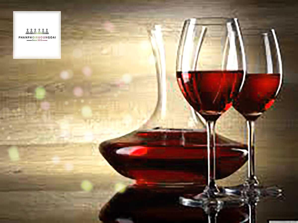 Rượu Song Long cung cấp những loại Decanter tuyệt vời nhất cho khách hàng