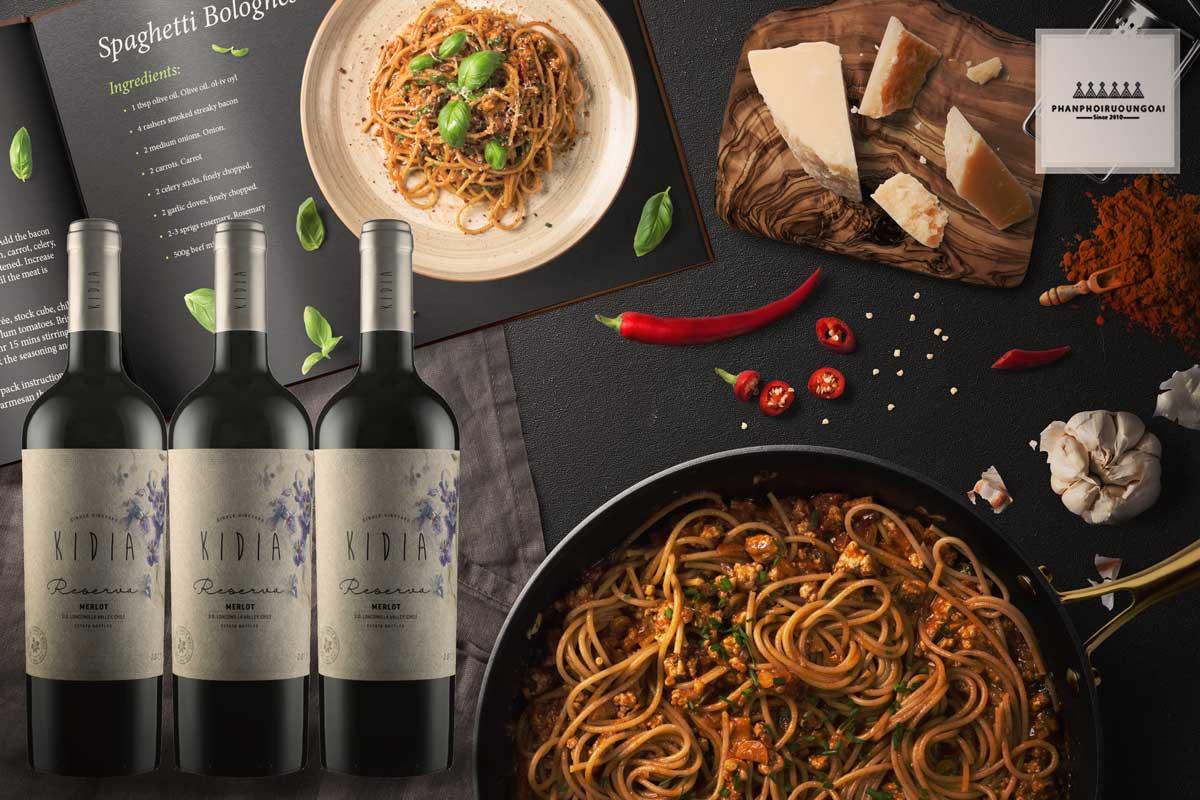 Rượu vang Kidia Reserva Merlot và đồ ăn