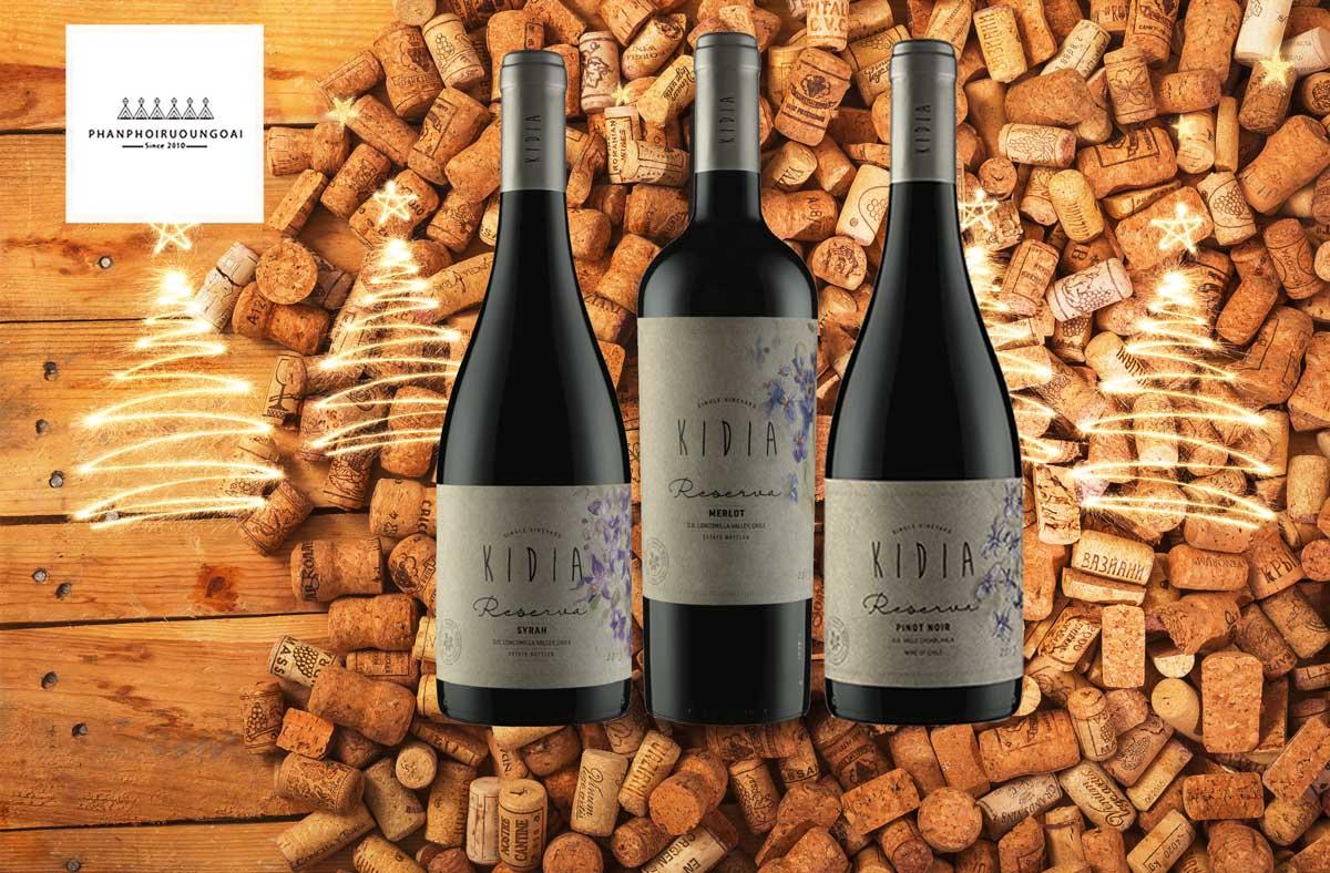 Rượu vang Kidia Reserva Pinot Noir và nút chai