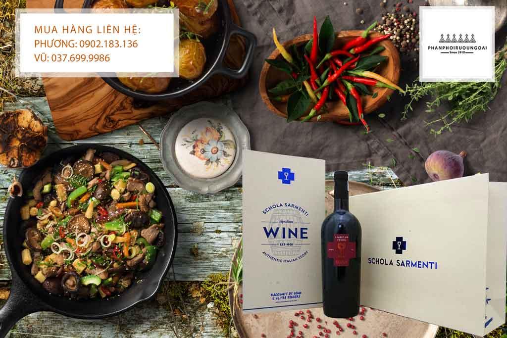 Hộp quà tết rượu vang Schola Sarmenti 2020 cho biếu tặng khách hàng và người thân