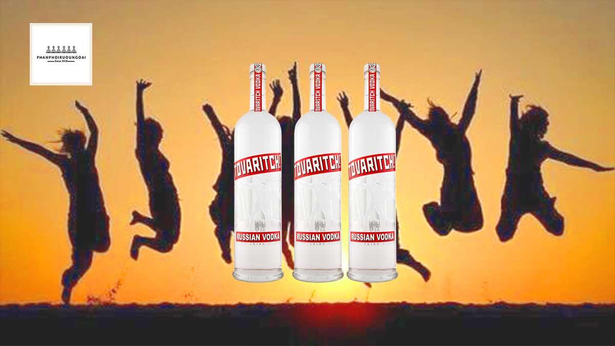 Rượu Vodka Tovaritch 3 lít loại rượu vodka của tình bạn