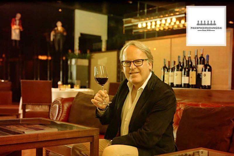 Nhà phê bình rượu vang Jame Suckling