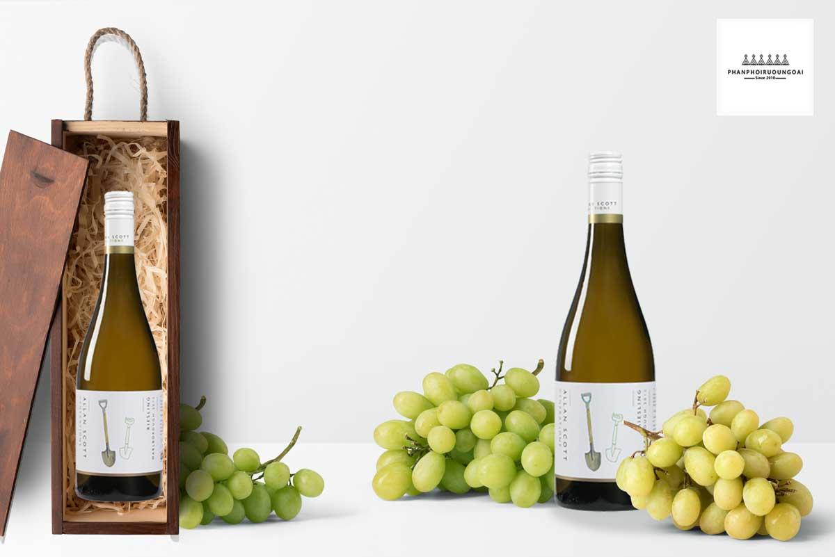 Rượu vang Allan Scott Generations Riesling 2015 và hộp quà