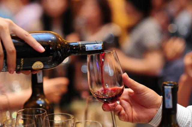 Nhiệt độ phục vụ các loại rượu vang