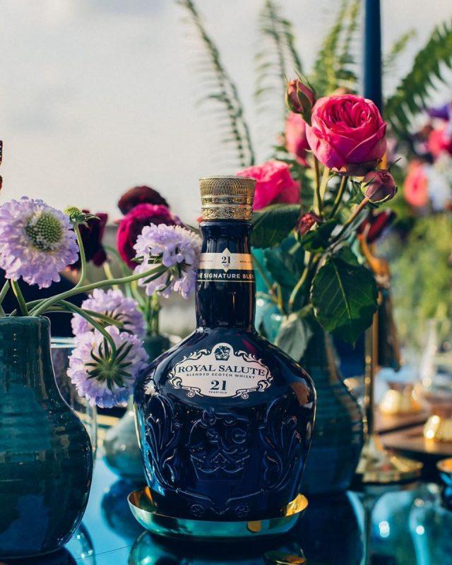 Rượu Royal Salute Signature Blend của nhà Chivas Regal