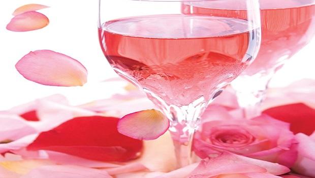 Rượu vang hồng nồng nàn và say đắm