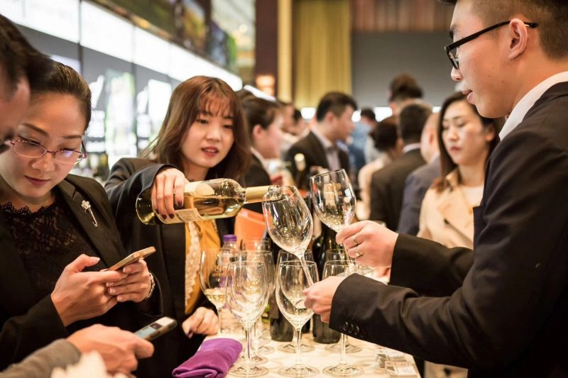 Người Trung Quốc cũng đam mệ học về Rượu Vang Pháp