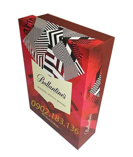 Rượu Ballantine's Finest hộp quà tết 2020 chụp nghiêng
