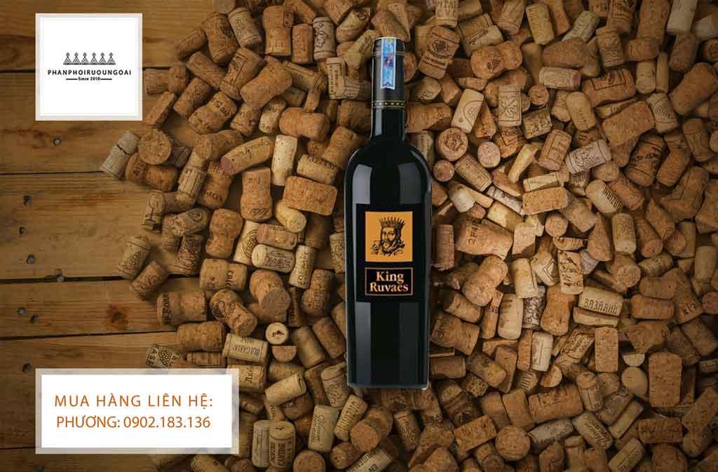 Rượu vang Ý King Ruvaes nhãn vàng